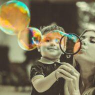 Więcej o: Czym jest autyzm i jak go rozpoznać?